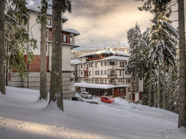 Green Life Pamporovo – winter view